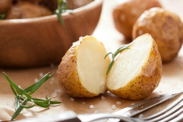 Το μυστικό συστατικό που θα κάνει πεντανόστιμες ακόμη και τις νερόβραστες πατάτες