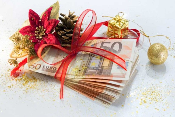 Ανατροπή με το Δώρο Χριστουγέννων: Ο κορωνοϊός... το κόβει από τους εργαζόμενους