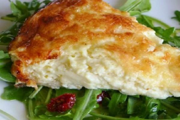 Εύκολη συνταγή για αφράτη τυρόπιτα με γιαούρτι