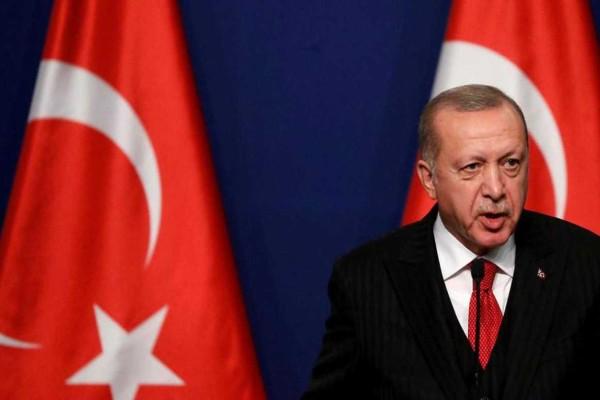 Συναγερμός στο Αιγαίο: Μιλάει ξανά... για προκλήσεις ο Ερντογάν - Απειλεί τον Μακρόν