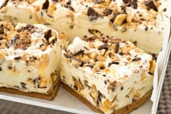 Γλυκό ψυγείου με ζαχαρούχο γάλα, κομματάκια σοκολάτας και 4 μόνο υλικά