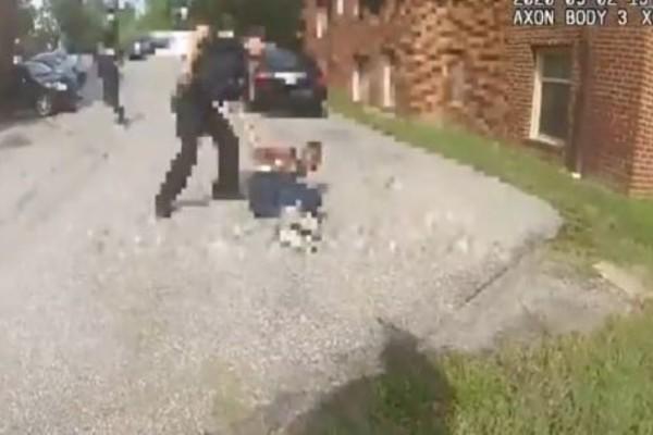 ΗΠΑ: Αστυνομικός πυροβολεί στο στήθος 18χρονο