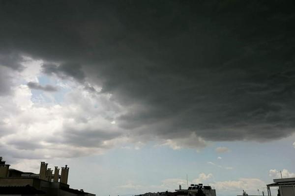 Καιρός σήμερα: Νεφώσεις και βροχές - Πού θα σημειωθούν καταιγίδες;