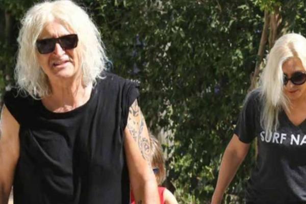 «Άντε γ@μ@θείτε καραγκιόζηδες»: Aστυνομικοί σταμάτησαν την Αννίτα Πάνια και ο Νίκος Καρβέλας άρχισε να τους βρίζει!
