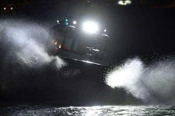 Συναγερμός ανοιχτά της Κρήτης: Βυθίστηκε σκάφος με μετανάστες (Video)
