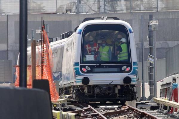 Κοντεύουμε σε ένα θαύμα: Συρμοί του μετρό Θεσσαλονίκης σε κίνηση