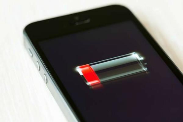 Αυτός είναι ο λόγος που δεν πρέπει να αφήνεις την μπαταρία του κινητού σου να τελειώσει
