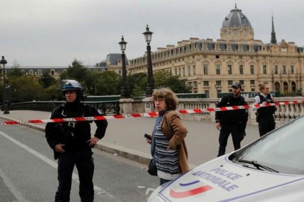 Ισχυρή έκρηξη στο Παρίσι (photo-video)