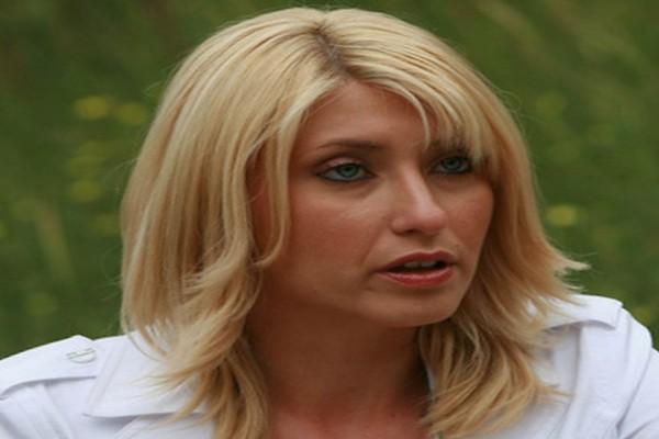 Σία Κοσιώνη: Δείτε την αδερφή του άντρα της - Εντελώς διαφορετική από εκείνη!