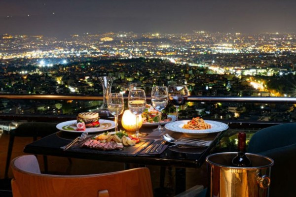 Telescope: Γευστικές απολαύσεις με θέα όλη την πόλη