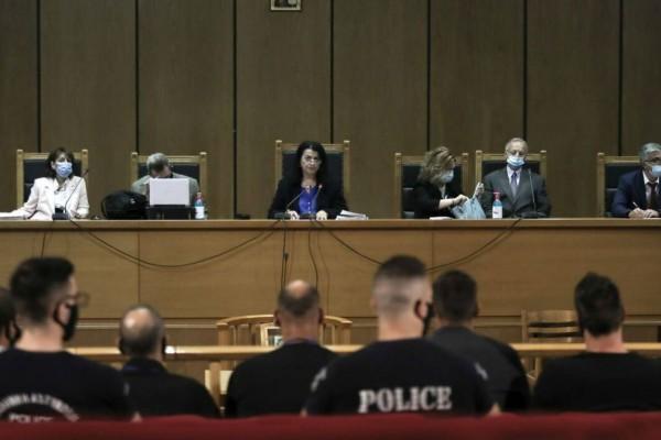 Δίκη Χρυσής Αυγής: Μεγαλύτερες ποινές για το «Διευθυντήριο» ζητά ο εισαγγελέας Εφετών
