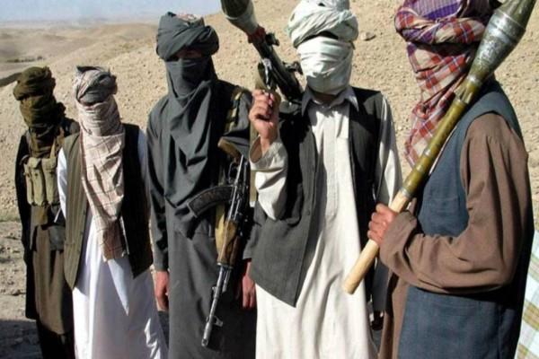 Αφγανιστάν: Εκατοντάδες νεκροί και χιλιάδες εκτοπισμένοι από τις επιθέσεις των Ταλιμπάν
