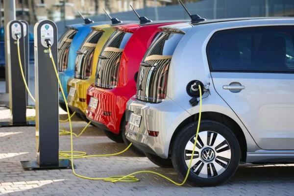 Μπορούν να σώσουν τον πλανήτη τα ηλεκτρικά αυτοκίνητα;