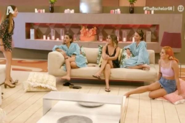 The Bachelor: Αποχώρηση-«βόμβα» από το ριάλιτι - Δεν άντεξε την «χυλόπιτα» του Βασιλάκου και φεύγει