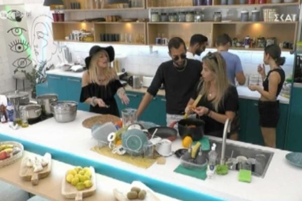 Big Brother: «Έχεις να κάνει σ@ξ 100 χρόνια μωρή κάμπια» - Απίθανες εκφράσεις μεταξύ Σοφίας και Άννας Μαρίας