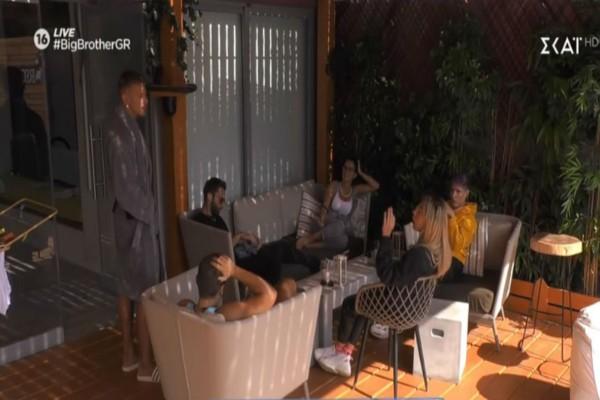 Big Brother: Οι φωνές και ο... καταραμένος καναπές