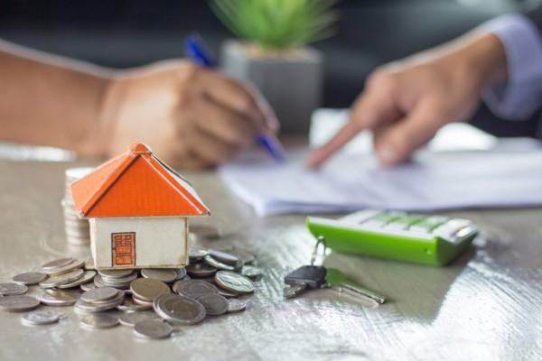 Νέος Πτωχευτικός: Στο σπίτι τους με επιδοτούμενο ενοίκιο τα ευάλωτα νοικοκυριά