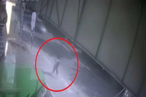 Βίντεο-ντοκουμέντο από κάμερα ασφαλείας: Η τελευταία εικόνα της 19χρονης Άρτεμις που εξαφανίστηκε στο Κορωπί