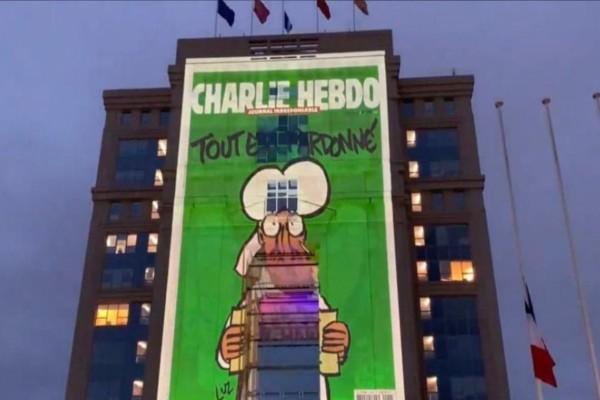 Γαλλία: Ο Μακρόν πολεμά τους τζιχαντιστές με...Charlie Hebdo