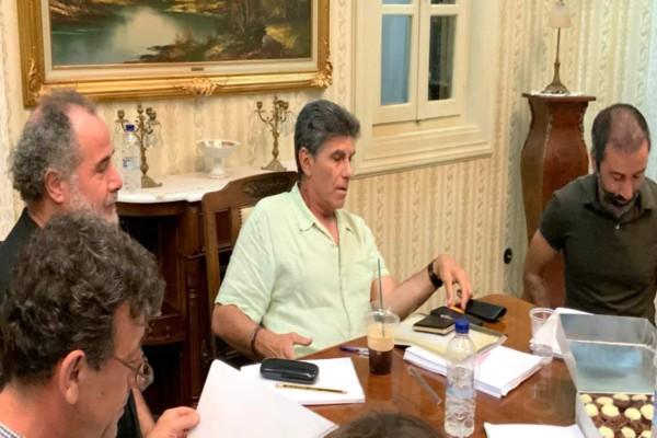 """Παρουσιάστε: Ο Ταξίαρχος προειδοποιεί για καμπάνα - Ο Καρυπίδης επενδύει σε παράνομες """"μπίζνες"""""""