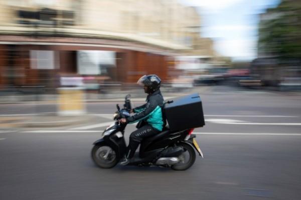 Απαγόρευση κυκλοφορίας το βράδυ: Τι ισχύει για delivery και take away