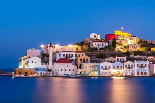 «Ελληνική πρόκληση» για τη Γενί Σαφάκ η τοποθέτηση ελληνικής σημαίας στο Καστελόριζο