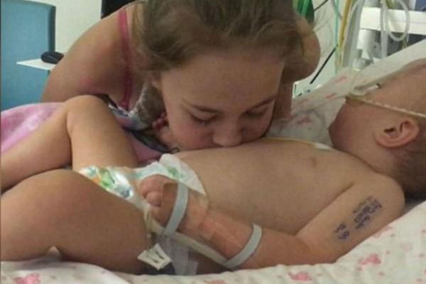 Η κόρη της ήταν εγκεφαλικά νεκρή και δεν υπήρχε καμία ελπίδα - Τότε έγινε κάτι το απίστευτο που σόκαρε ακόμη και τους γιατρούς