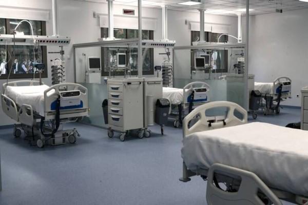 Κορωνοϊός: Μεγάλη η αύξηση των νεκρών - Σήμα SOS από τους γιατρούς