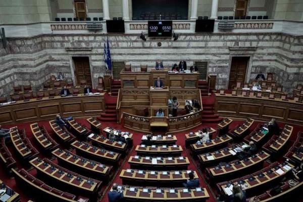 Τρίτο κρούσμα στη Βουλή - Τι θα ισχύσει από αύριο