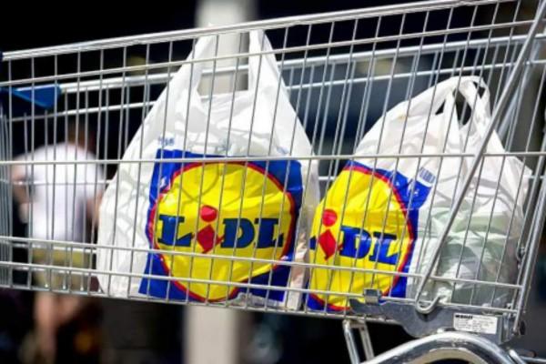 Πανικός στα Lidl: Ποια τρόφιμα αποσύρει άμεσα - Τι απίστευτο βρέθηκε μέσα; Πελάτες προσοχή