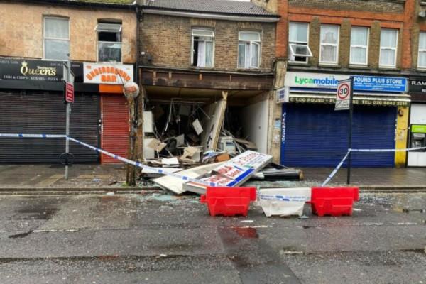 Λονδίνο: Δύο νεκροί από την ισχυρή έκρηξη που σημειώθηκε σε κατάστημα