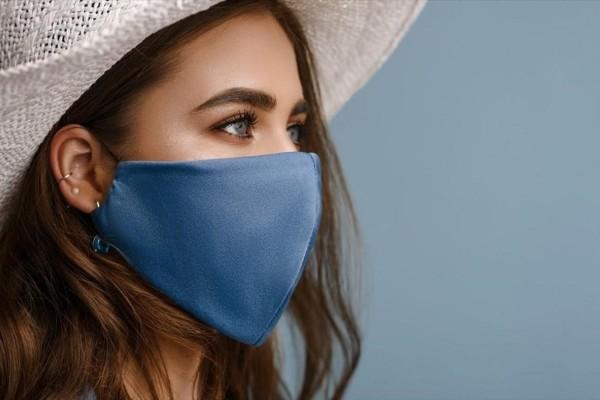 Ισπανίδα ιολόγος προειδοποιεί: Θα φοράμε μάσκα «για δύο χρόνια»