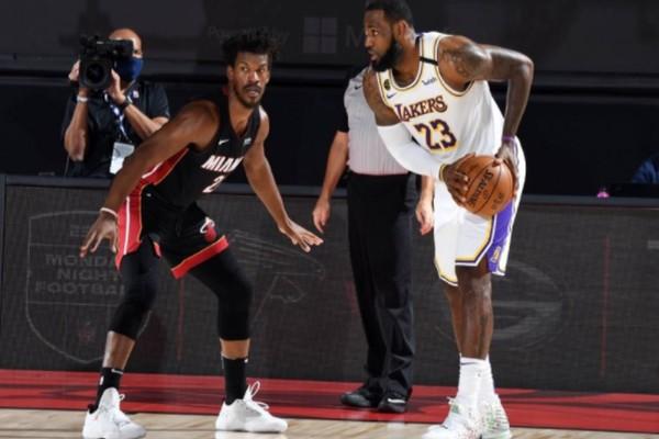 NBA: Μυθικός Μπάτλερ, κέρδισε μόνος του τους Λέικερς
