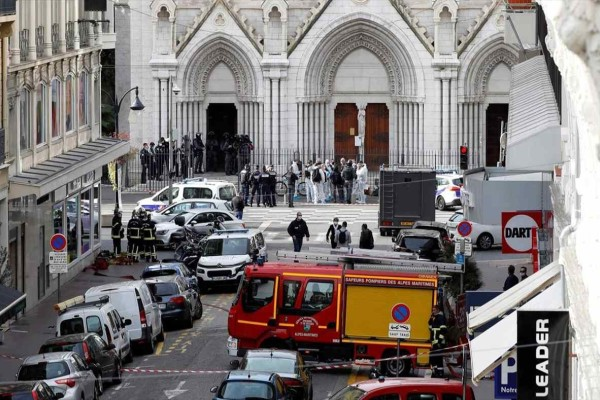 Η ανάρτηση του Κυριάκου Μητσοτάκη στα γαλλικά για την τρομοκρατική επίθεση στην Νίκαια