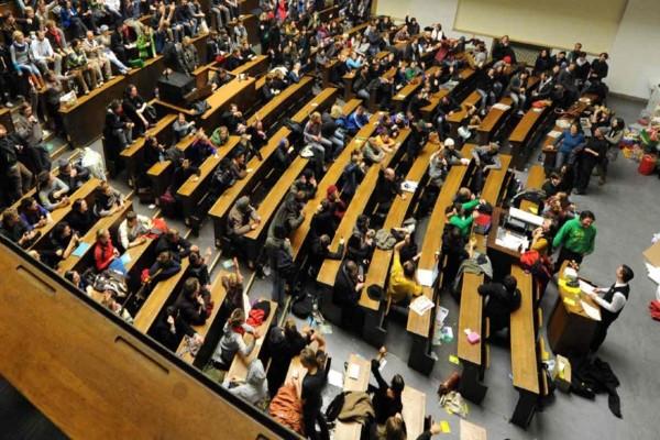 Ανοίγουν από σήμερα τα Πανεπιστήμια: Πώς θα γίνονται τα μαθήματα - Τα μέτρα στα εργαστήρια