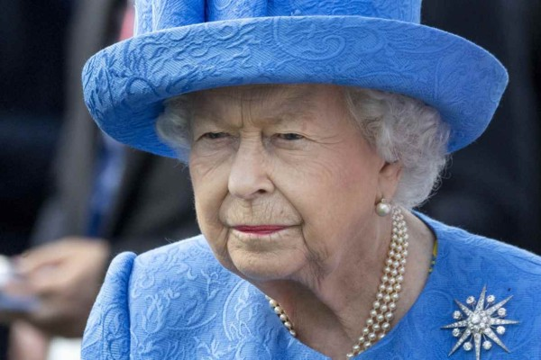 Έκανε το αδιανόητο η Βασίλισσα Ελισάβετ - Μπορεί να είναι 94 ετών αλλά…
