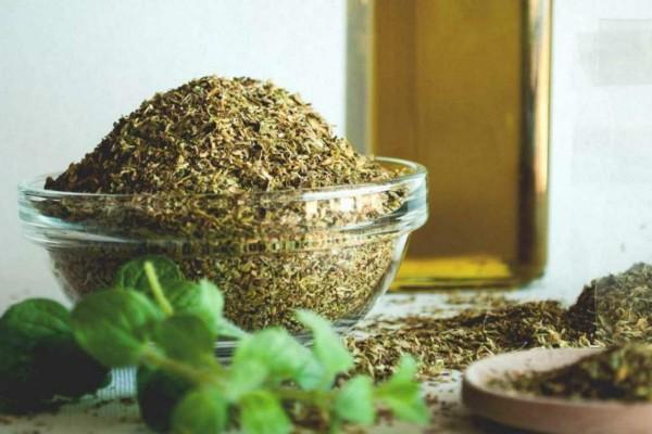 Ρίγανη: Το φυτό που θεραπεύει τα πάντα - Οι αρχαίοι Έλληνες χρησιμοποιούσαν το έλαιο ως...