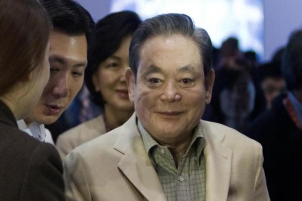 Έφυγε από τη ζωή ο πρόεδρος της Samsung