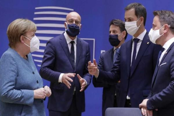 Σύνοδος Κορυφής: Νύχτα αγωνίας στις Βρυξέλλες και τρίτο προσχέδιο της ΕΕ