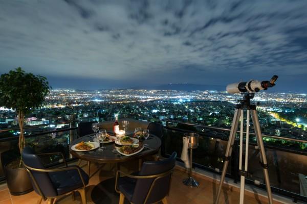 Telescope: Το πιο εντυπωσιακό café-bar-restaurant στο Χαϊδάρι