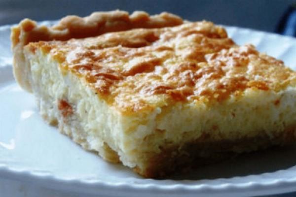 Τυρόπιτα με γιαούρτι και χωρίς φύλλο - Εύκολη και γευστική συνταγή