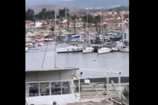 Βίντεο σοκ: Τσουνάμι από τον ισχυρό σεισμό στη Σάμο!