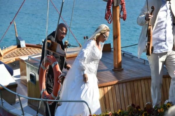 Οι πρώτες φωτογραφίες από το λαμπερό γάμο της Ελεονώρας Ζουγανέλη
