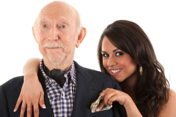 Ένας ηλικιωμένος, περίπου 90 ετών πάει... - Το σόκιν ανέκδοτο της ημέρας 17/11