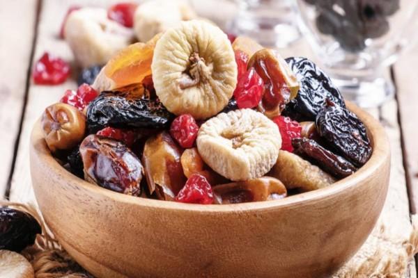 Αυτά είναι τα 6 αποξηραμένα φρούτα που πρέπει να προσθέσουμε στη διατροφή μας