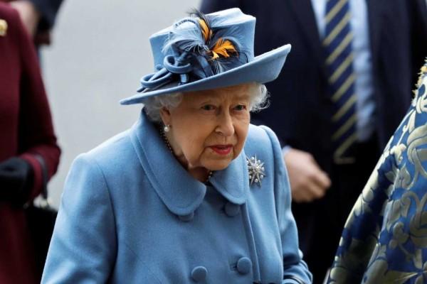 Συναγερμός στο Buckingham: Ο κορωνοϊός «χτύπησε» πάλι τη Βασίλισσα Ελισάβετ