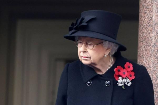 Αγωνία για τη Βασίλισσα Ελισάβετ: Σε κίνδυνο η υγεία της