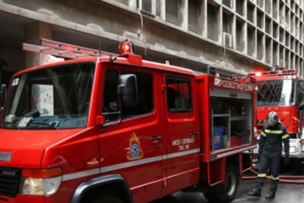 Φωτιά σε διαμέρισμα στη Νίκαια