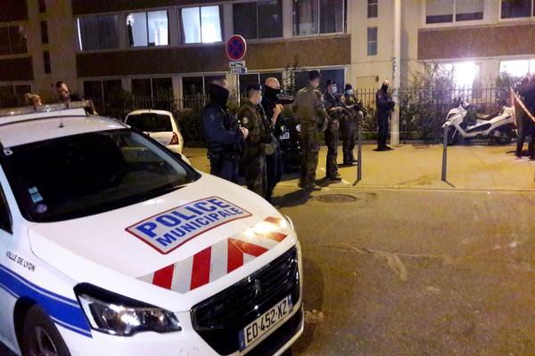 Ερωτική αντιζηλία πίσω από την απόπειρα δολοφονίας του Έλληνα ιερέα στη Γαλλία