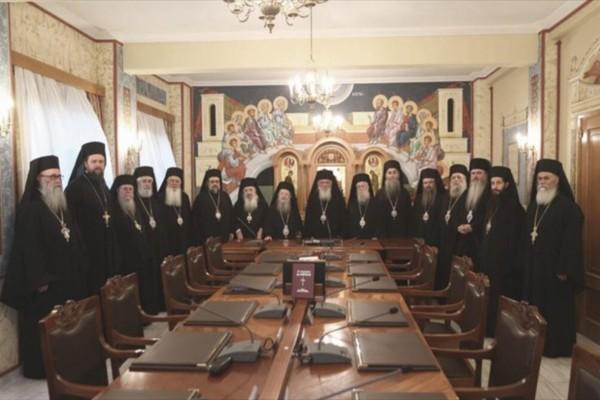 Συναγερμός στην Ιερά Σύνοδο: Θετικοί στον κορωνοϊό πέντε μητροπολίτες